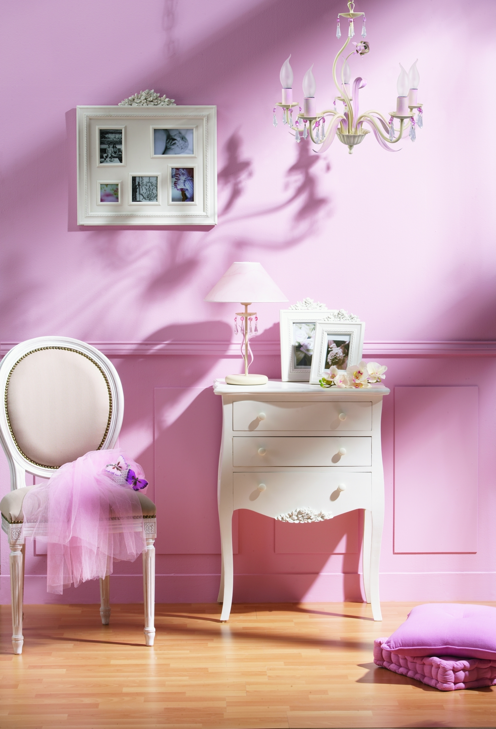 chambre romantique rose pale avec des id es. Black Bedroom Furniture Sets. Home Design Ideas
