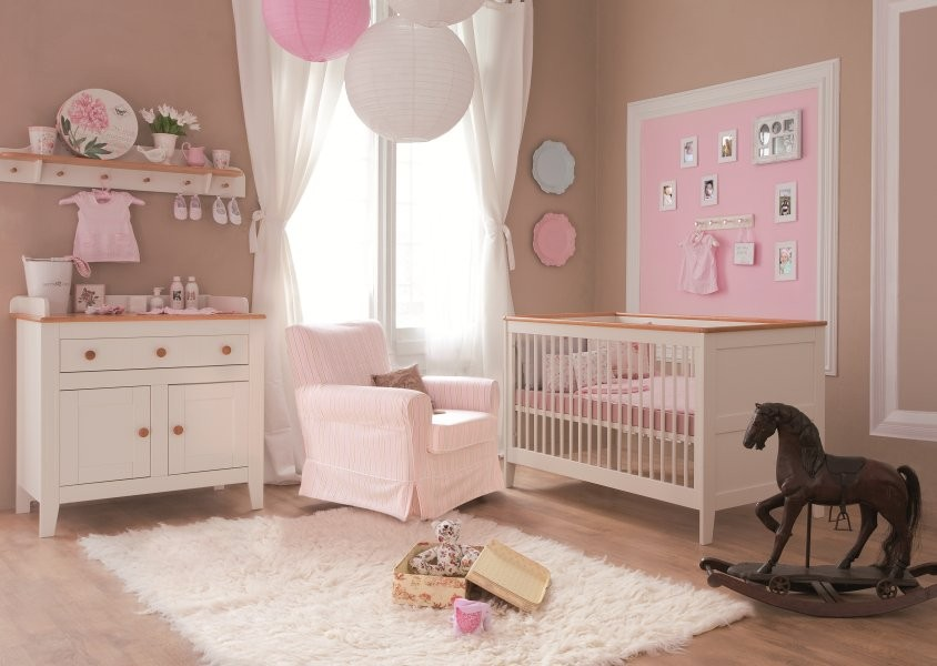 Fotos deco chambre bebe fille rose source de la photo - Decoration chambre bebe ...